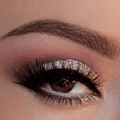 101 Eye Make Up Tutorials From Around The World ilvery Glittery Eye Makeup: Pretty Makeup, Love Makeup, Beauty Makeup, Makeup Looks, Hair Beauty, Glamour Makeup, Gorgeous Makeup, Gorgeous Hair, Beautiful Eyes