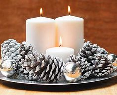 DIY Holiday Candle Centerpiece-simple white candles, pine cones w/ either spray paint or glitter Noel Christmas, Simple Christmas, Winter Christmas, All Things Christmas, Christmas Crafts, Magical Christmas, Beautiful Christmas, Christmas 2019, Christmas Wedding