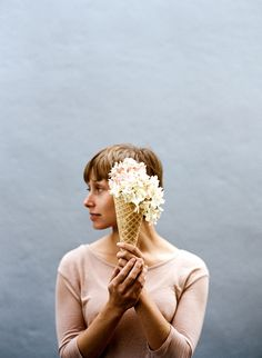 Floral Scoops (Series) by Parker Fitzgerald for Kinfolk Vol. Magazine Kinfolk, Best Online Magazines, Food Magazines, Parker Fitzgerald, The Kinfolk Table, Print Layout, Magazine Design, Magazine Layouts, Posters