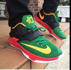 Nike kd7 id bmj Nike Kd Shoes, Nike Basketball Shoes, Nike Shoes Outlet, Sneakers Nike, Sock Shoes, Shoe Boots, Nike Wedges, Nike Design, Nike Workout