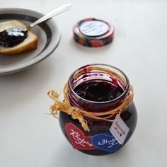 Let's jam! This is the easiest jam recipe you'll ever make! Rhubarb and blueberry. ( in Romanian)