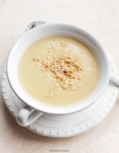 Zupa krem z ciecierzycy -por, cebula, ziemniak, śmietanka, mleko, ciecierzyca 2/3 szkl suchej lub 1 szkl z puszki
