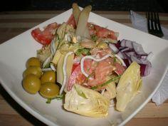 Ensalada Jubilosa Ingredientes (para 4 comensales) 4 Hojas de lechuga rizada 2 Tomates grandes 1 Bote de corazones de alcachofas...