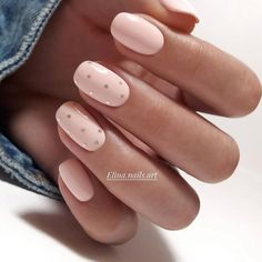 The best new nail polish colors and trends plus gel manicures, ombre nails, and nail art ideas to try. Get tips on how to give yourself a manicure. Short Gel Nails, Basic Nails, Simple Nails, Manicure For Short Nails, Cute Short Nails, Short Nails Art, Classy Nails, Stylish Nails, Trendy Nails