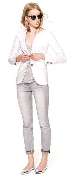 grey skinnies + white blazer.