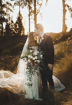 Moody & Romantic Winery Wedding Inspiration via Magnolia Rouge #weddingphotography