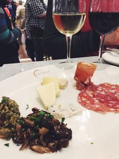 Dégustation #wine #prosecco #cheese #gourmetshop #eataly #italy