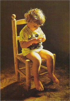 Isabel Guerra, Nació en Madrid en 1947, procede de una familia culta y acomodada, actualmente vive en Zaragoza desde los 23 años que ingresó en el convento cisterciense del Monasterio de Santa Lucía de Zaragoza. Ha sido nombrada miembro de dos Reales Academias de Bellas Artes: Académica de Honor de la Real Academia de Bellas Artes de San Luis y Académica Correspondiente de la Real Academia de Bellas Artes y Ciencias Históricas de Toledo, comenzó a pintar a los 12 años emborronando cuartillas…