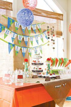 dinosaur-birthday-party, this blog has the cutest dinosaur b-day ideas, so cute.