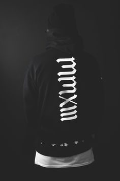 Hoody's Streetwear, Shirt Print Design, Shirt Designs, Cyberpunk, Daily Fashion, Mens Fashion, Clothing Sketches, T Shorts, Casual Street Style