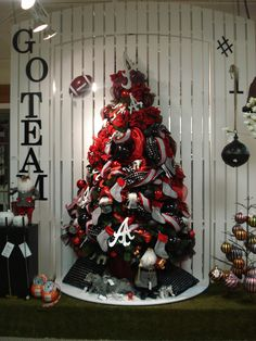 @Greg Takayama Takayama Takayama Takayama Morgan - look at this Bama tree! LOVE IT!