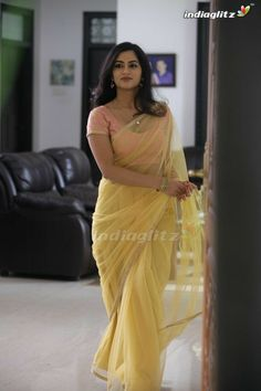 Indian Bollywood Actress, Bollywood Girls, Beautiful Bollywood Actress, Beautiful Girl Indian, Most Beautiful Indian Actress, Beautiful Saree, Beautiful Women, Beauty Full Girl, Beauty Women