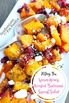 Warm Honey Roasted Butternut Squash Salad 21 Day Fix Healthy Diet Recipes, Clean Eating Recipes, Healthy Eats, Vegetarian Recepies, Delicious Recipes, Vegetable Side Dishes, Vegetable Recipes, Thanksgiving Vegetable Sides, Thanksgiving Salad