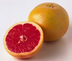 Grapefruit and its health benefits are rather interesting. The Grapefruit gets its name from the way it grows in clusters just like grapes, along with a long list of benefits just like the grape. Health Benefits Of Grapefruit, Juicing Benefits, Juice Smoothie, Smoothies, Grapefruit Tree, Grapefruit Recipes, Red Juice Recipe, Fiber Diet, Lifestyle