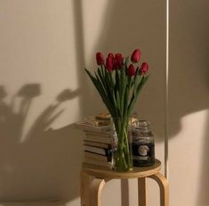Image in Blooming 💐 Lovely Flowers 💐 And Plants collection by Lucian Beige Aesthetic, Flower Aesthetic, My Flower, Beautiful Flowers, Home And Deco, Wall Collage, Aesthetic Pictures, Aesthetic Wallpapers, Room Inspiration