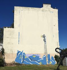Banksy has reacted after a Brexit mural he created in Dover was painted over. Graffiti Art, Graffiti History, Stencilling Techniques, Banksy Paintings, Banksy Work, Bansky, Croydon, Throughout The World, Street Artists