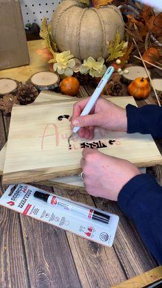 Wood Burning Stencils, Wood Burning Pen, Wood Burning Crafts, Wood Burning Patterns, Wood Burning Projects, Cricut Explore Projects, Ideas For Cricut Projects, Projects With Wood, Crafty Projects