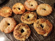 Low Carb Bagels with Almond Flour. Low Carb Bagels with Almond Flour Recipes A keto-friendly bagel recipe for ketogenic diet. Cuisine : Ketogenic, Low Carb, Recipe Yields : 6 Prep time : 10 minutes Co. Low Carb Bagels, Keto Bagels, Healthy Dinner Recipes, Low Carb Recipes, Breakfast Recipes, Healthy Meals, Bread Recipes, Healthy Food, Ketogenic Recipes