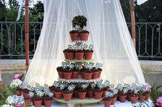Flower pot cupcakes!