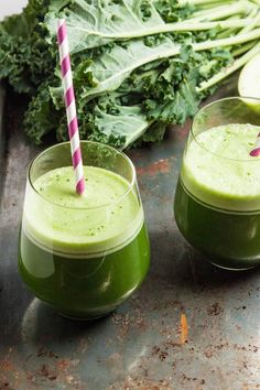 Refreshing Green Juice as a mild, sweet taste and is perfect for green juice beginners! Easy Juice Recipes, Great Vegan Recipes, Juice Cleanse Recipes, Green Juice Recipes, Healthy Recipes, Vegetarian Recipes, Healthy Foods, Juicy Juice, Smoothie Drinks