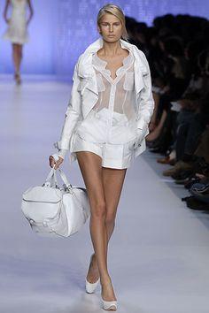 Céline Spring 2007 Ready-to-Wear Fashion Show - Hana Soukupova