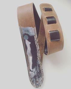 Een persoonlijke favoriet uit mijn Etsy shop https://www.etsy.com/nl/listing/257432518/raven-guitar-straps-leather-guitar-strap
