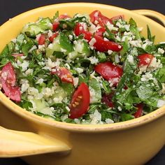 This keto tabbouleh will amaze you, so good, you won't miss the carbs, fresh and light and good for anyone who just wants more veg in their diet cauliflower auflauf rezept pizza recipes salad cauliflower Raw Food Recipes, Salad Recipes, Vegetarian Recipes, Dinner Recipes, Cooking Recipes, Healthy Recipes, Healthy Foods, Vegetarian Salad, Cauliflower Tabbouleh