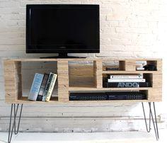 Meuble TV DIY avec hairpin legs http://www.homelisty.com/diy-hairpin-legs/