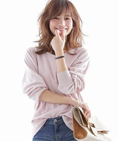 落ち着いた柔らかい色を取り入れたミセスコーデ。上品なタイプのミセス系コーデ。スタイル・ファッションの参考に♪