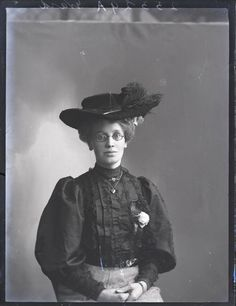 vintage everyday: New Edwardian Hat Fashions: 66 Beautiful Vintage Studio Photos of Women Posing With Hats from the Early 20th Century