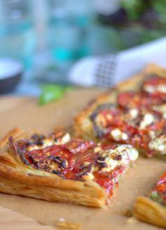 Tomato Pesto Goats Cheese Tart. Easily feeds one or many. | thecookspyjamas.com