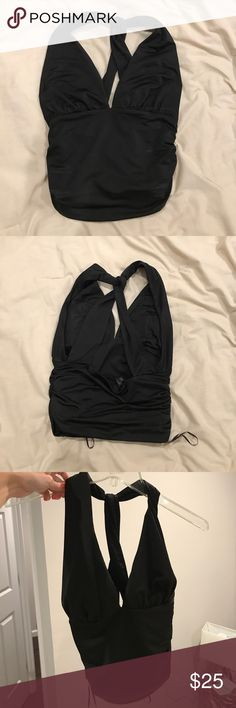 Black Guess top Tight fitting black crop top from guess Guess Tops Crop Tops