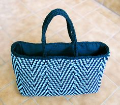 Free Knitting Pattern - Bags, Purses & Totes: Via Diagonale Bag