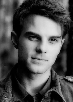 I CAN TEACH YOU HOW TO LOVE AGAIN // KOL MIKAELSON - Chapter 7°•. Realizing how much you mean to me - Wattpad