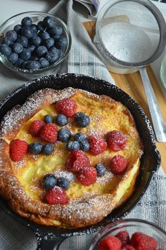 Pancakes For Two, Baby Pancakes, Pancakes Easy, Pancakes And Waffles, German Pancakes Recipe, Dutch Pancakes, Dutch Baby Pancake, Breakfast On The Go, Breakfast Dishes