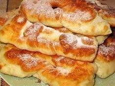 Donuts on kefir. Recipes with photos of delicious pie. Ukrainian Recipes, Russian Recipes, Russian Desserts, Bread Bun, Sweet Pastries, How Sweet Eats, Food Photo, Sweet Recipes, Food To Make