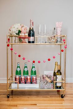 Having a bar cart around can help you organize beverage and food. By definition a bar cart is usually a … Diy Bar Cart, Gold Bar Cart, Bar Cart Decor, Bar Cart Styling, Bar Carts, Golf Carts, Petits Bars, Office Bar, Outside Bars