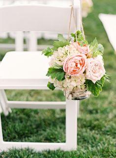 photo by Lauren Peele, flowers by artisan bloom