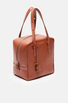 Sac Mini Edith - Ajouter + Ecru Fil - If I was a woman. - Sac Mini Edith - Ajouter + Ecru Fil - If I was a woman. Popular Handbags, Cheap Handbags, Tote Handbags, Purses And Handbags, Canvas Handbags, Leather Purses, Leather Handbags, Leather Bag, Fashion Handbags