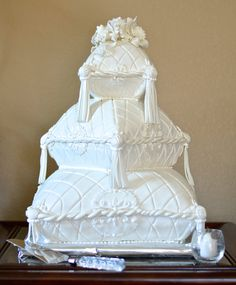 This pillow cake is absolutely regal! Champagne Wedding Cakes, White Wedding Cakes, Beautiful Cakes, Amazing Cakes, Wedding Wows, Wedding Ideas, Romantic Breakfast, Pillow Cakes, Unusual Wedding Cakes