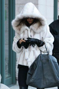 white mink jacket with hood Irina Shayk, Mink Jacket, Hooded Jacket, Winter Wear, Autumn Winter Fashion, Fabulous Furs, Black And White Style, Winter Looks, Winter Style