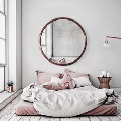 Rose gold home decor accessories for you :) you can use this color in any part of your home, it definitely will make the room glorious ; Diy Home Decor Rustic, Gold Home Decor, Cheap Home Decor, Bedroom Themes, Home Decor Bedroom, Bedroom Ideas, Home Interior, Decor Interior Design, Natural Bedding