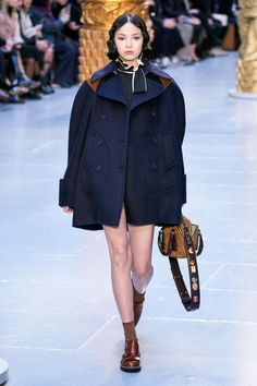 Chloé Fall 2020 Ready-to-Wear Collection - Vogue 2020 Fashion Trends, Fashion Week, Fashion 2020, Daily Fashion, Fashion Brands, Street Fashion, Paris Chloe, Expensive Clothes, Img Models