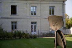 Exposition dans les jardins de la Maison Ackerman.