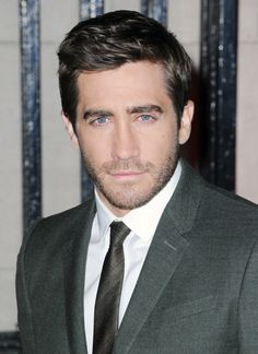 Jake Gyllenhaal Hospitalized For Punching Mirror on Set