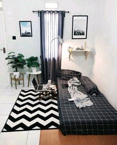 Simple Bedroom Decor, Room Ideas Bedroom, Small Room Bedroom, Home Decor Bedroom, Small Room Decor, Bedroom Signs, Teen Bedroom, Bedroom Inspo, Diy Bedroom
