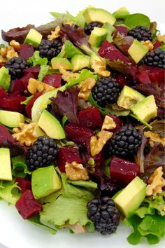 Ensalada con remolacha y aguacate Salad with beetroot and avocado – Tasty recipe details Healthy Salads, Healthy Life, Healthy Eating, Veggie Recipes, Salad Recipes, Healthy Recipes, Avocado Salat, Good Food, Yummy Food