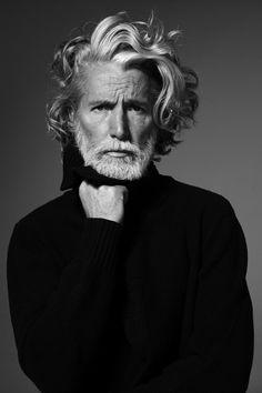 Siiiiiiiiii, yo quiero ser así de mayor... older men, long hair