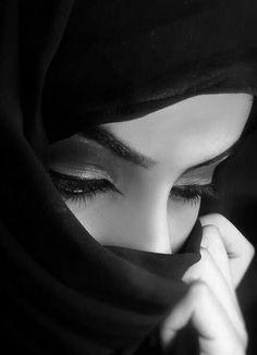 Ideas For Fashion Photography Poses Hijab Hijabi Girl, Girl Hijab, Beautiful Hijab, Beautiful Eyes, Beau Hijab, Portrait Photography, Fashion Photography, Makeup Photography, Wedding Photography