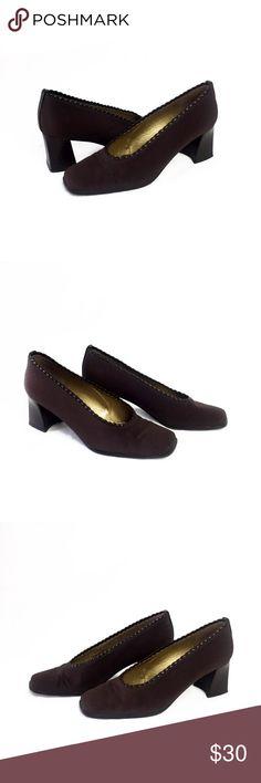 STUART WEITZMAN HEELS STUART WEITZMAN BROWN HEELS SIZE 6 Made in Spain Stuart Weitzman Shoes Heels